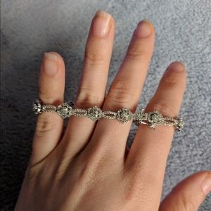"""8"""" 10k Solid White Gold 3ct of gorgeous diamonds"""